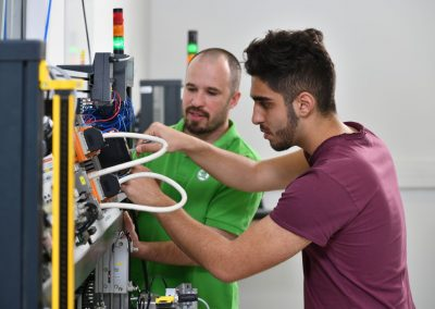 ŠKODA AUTO od září otvírá nové obory na středním odborném učilišti strojírenském
